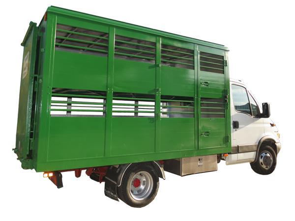 Allestimento autoveicolo per trasporto animali - foto 1