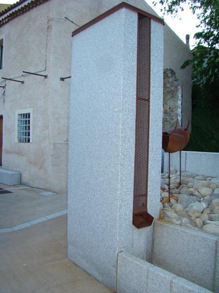 Fontana di Orani in granito e acciaio COR-TEN - foto 1