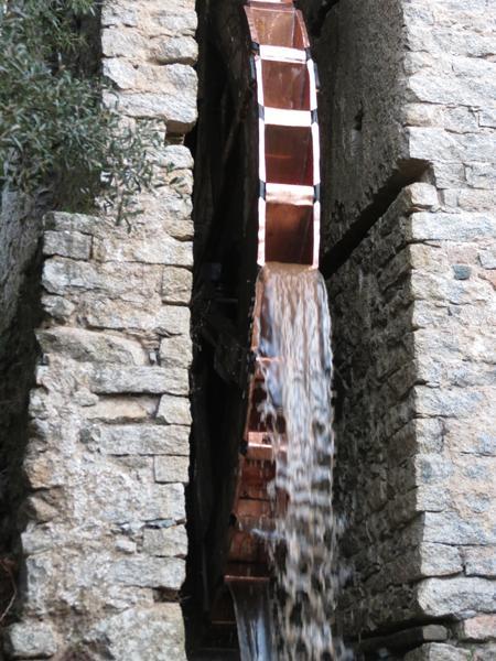 Restauro vecchio Mulino di Olzai con rivestimenti in rame - foto 3