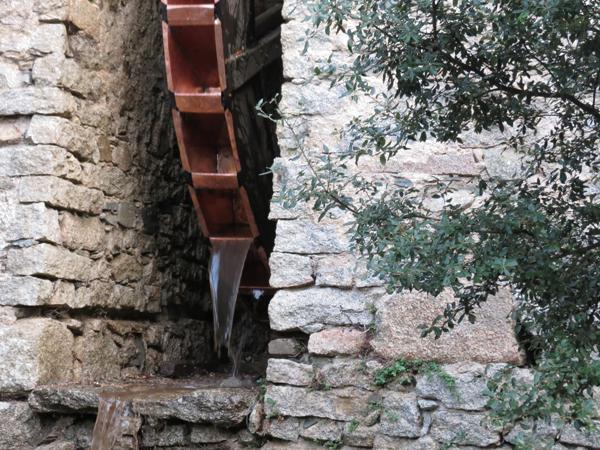 Restauro vecchio Mulino di Olzai con rivestimenti in rame - foto 4