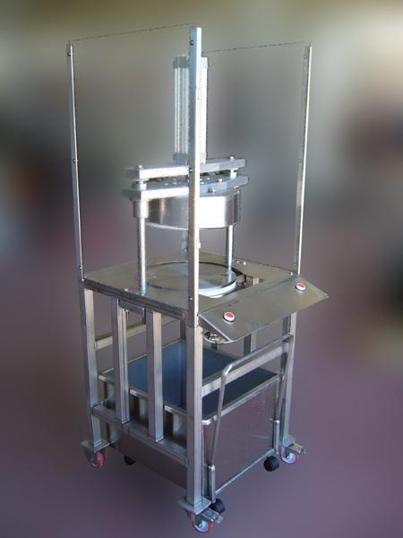 Taglierina pneumatica in acciaio INOX per pane carasau - foto 1