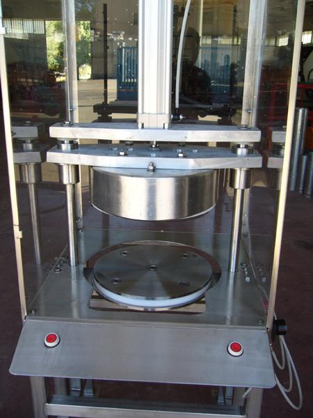 Taglierina pneumatica in acciaio INOX per pane carasau - foto 3