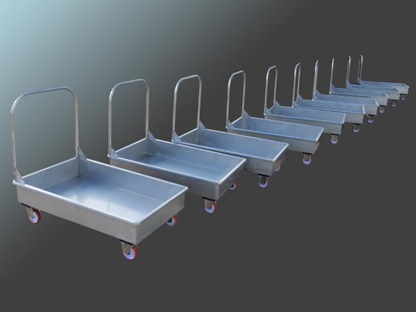 Carrelli in acciaio INOX per la movimentazione di alimenti - foto 1
