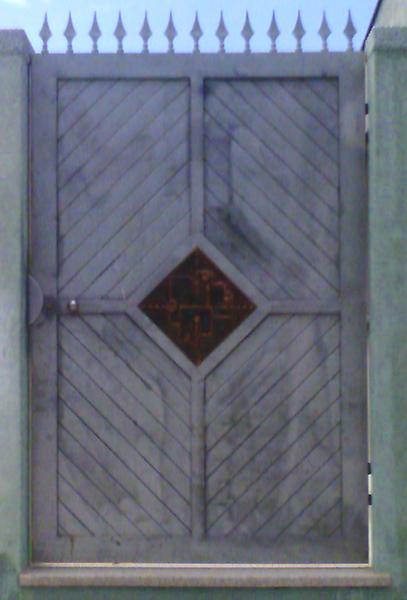 Cancello e portoncino da esterni in ferro zincato e rame decorato - foto 2
