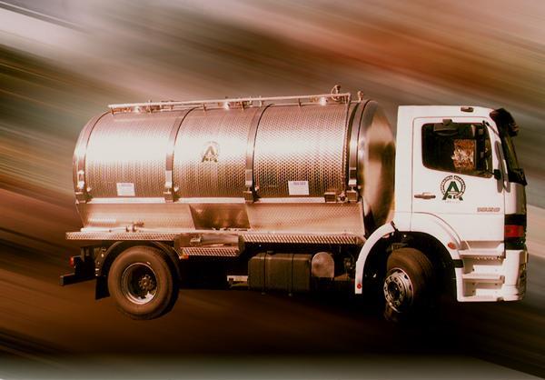 Autocisterna leggera per il Trasporto latte - acciaio INOX - foto 1