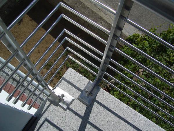 Righiere e corrimano da esterno in acciaio INOX - foto 2