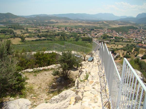 Recinzioni parapetti della Torre della fava di Posada - foto 4